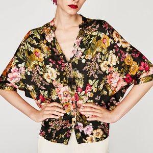 🌹NWT Zara Black Floral Batwing Blouse 🌹